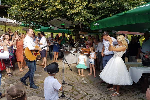 kraljev_hrib_kamniska_bistrica_restaurant_paintball_camping_hostel_rooms_009167025A3C-9840-C4E3-885E-8ECE28D1C08E.jpg