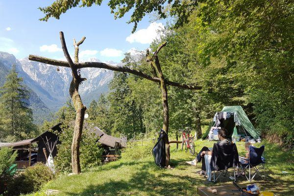 kraljev_hrib_kamniska_bistrica_restaurant_paintball_camping_hostel_rooms_0019FC618EE7-B3DF-C187-6A9F-6B628E7347ED.jpg
