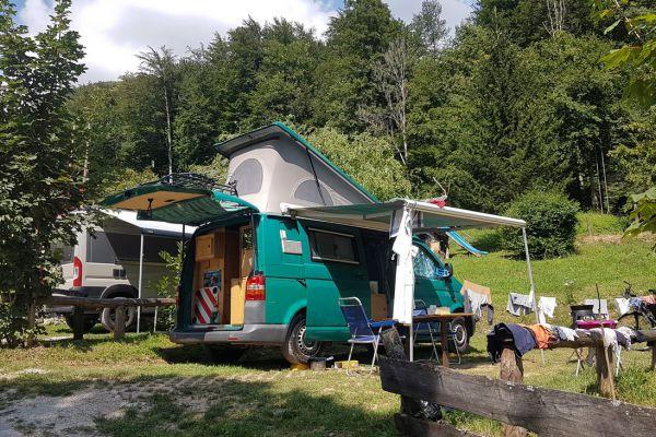 kraljev_hrib_kamniska_bistrica_restaurant_paintball_camping_hostel_rooms_0046F898CA33-FC98-2074-ADA2-649408EEB90A.jpg