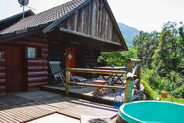 kraljev_hrib_paintball_hostel_rooms_camping_slovenia_0007698C9D95-9A59-463A-D4F2-B8F929D6D656.jpg