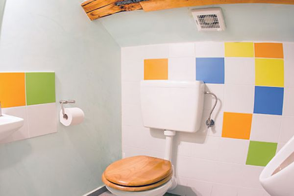 kraljev_hrib_paintball_hostel_rooms_camping_slovenia_00192AA3ACDF-F598-B4A1-67FF-7FE73770BB07.jpg
