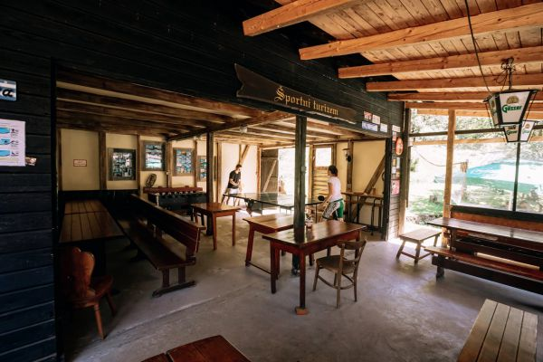 kraljev_hrib_kamniska_bistrica_restaurant_paintball_camping_hostel_rooms_0011AED27D23-40CC-2A95-EA48-3D8779583113.jpg