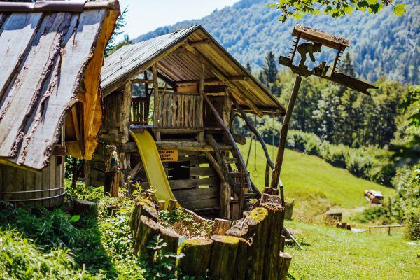 kraljev_hrib_kamniska_bistrica_restaurant_paintball_camping_hostel_rooms_0014C5671EAB-0A40-502E-EC4C-BDD71EEABD4B.jpg