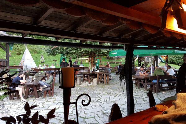 kraljev_hrib_kamniska_bistrica_restaurant_paintball_camping_hostel_rooms_00254FF5DF3C-6B2D-5936-1BC5-ED8278EC23D8.jpg