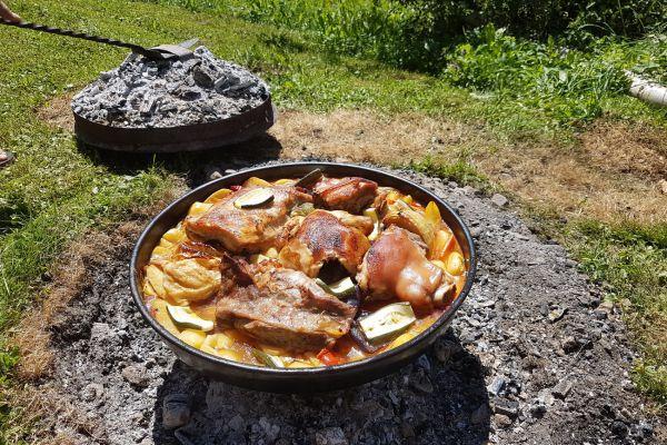 kraljev_hrib_kamniska_bistrica_restaurant_paintball_camping_hostel_rooms_0026C13A129E-1ECB-DADC-CCBF-EFA5E8F0965E.jpg