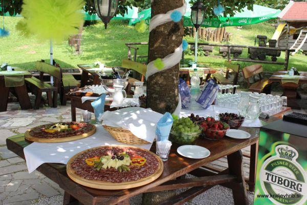 kraljev_hrib_kamniska_bistrica_restaurant_paintball_camping_hostel_rooms_0065917EE9F0-FF5B-CF32-42DE-2E180D7C20BC.jpg