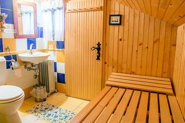 kraljev_hrib_paintball_hostel_rooms_camping_slovenia_0012D7C4D0C0-01F6-D23A-9805-1C03BC41D666.jpg