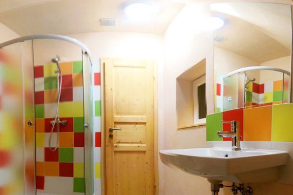 kraljev_hrib_paintball_hostel_rooms_camping_slovenia_0020a3EC4DEC7-1C3A-DE86-BDA4-E9CB3E663E79.jpg