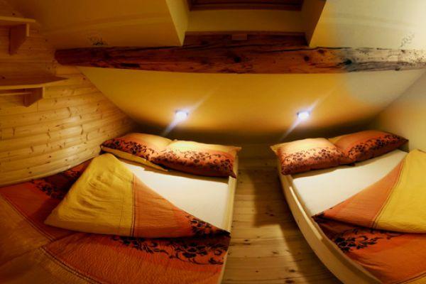 kraljev_hrib_paintball_hostel_rooms_camping_slovenia_002832DC9AB1-F6C0-8147-ABE5-6B84622CB523.jpg